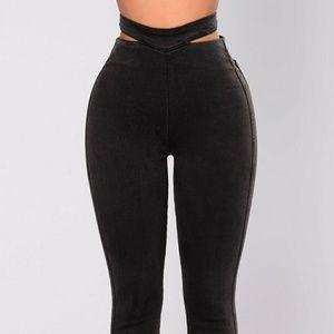 New❗Never worn Dangerous Woman Cut Out Jeans
